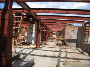Металлокаркас перекрытия при реконструкции строения.