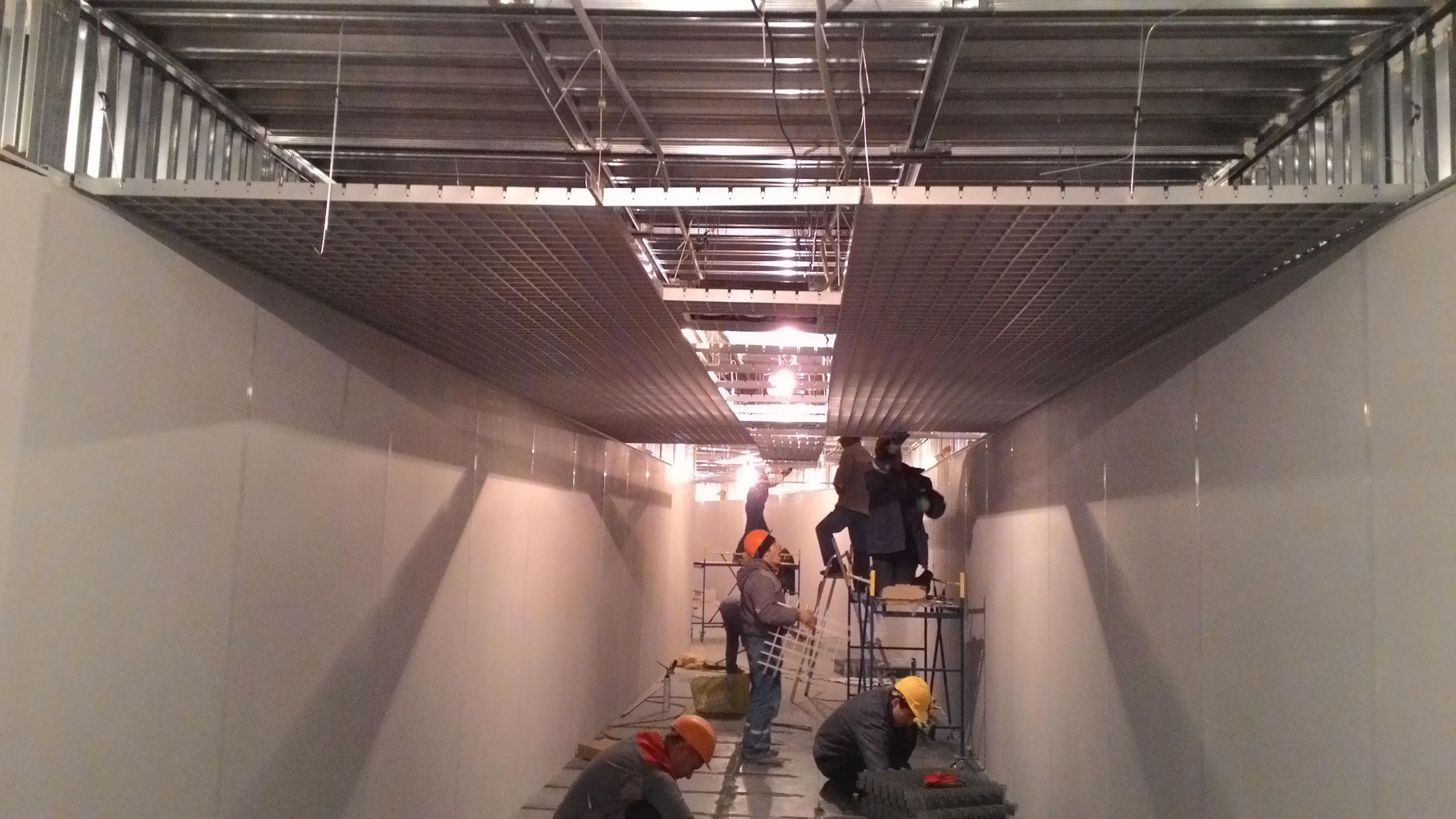 натяжной потолок сборка видео