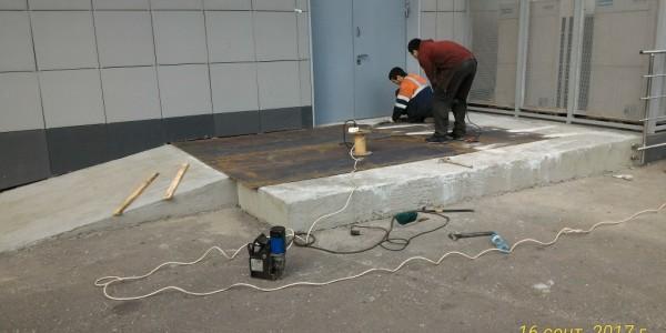 Ремонт пандуса, покрытие металлом.
